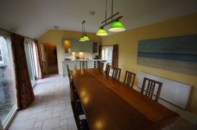 Court dining room 2